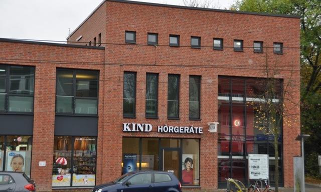 Unsere Praxisräume befinden sich im neuen Ärzte- und Geschäftshaus an der Leher Heerstraße 1.